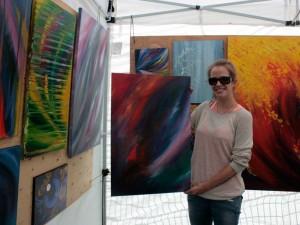 Rachel Cadrin with canvas.